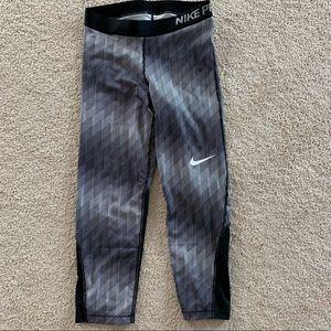 Nike Pro capris